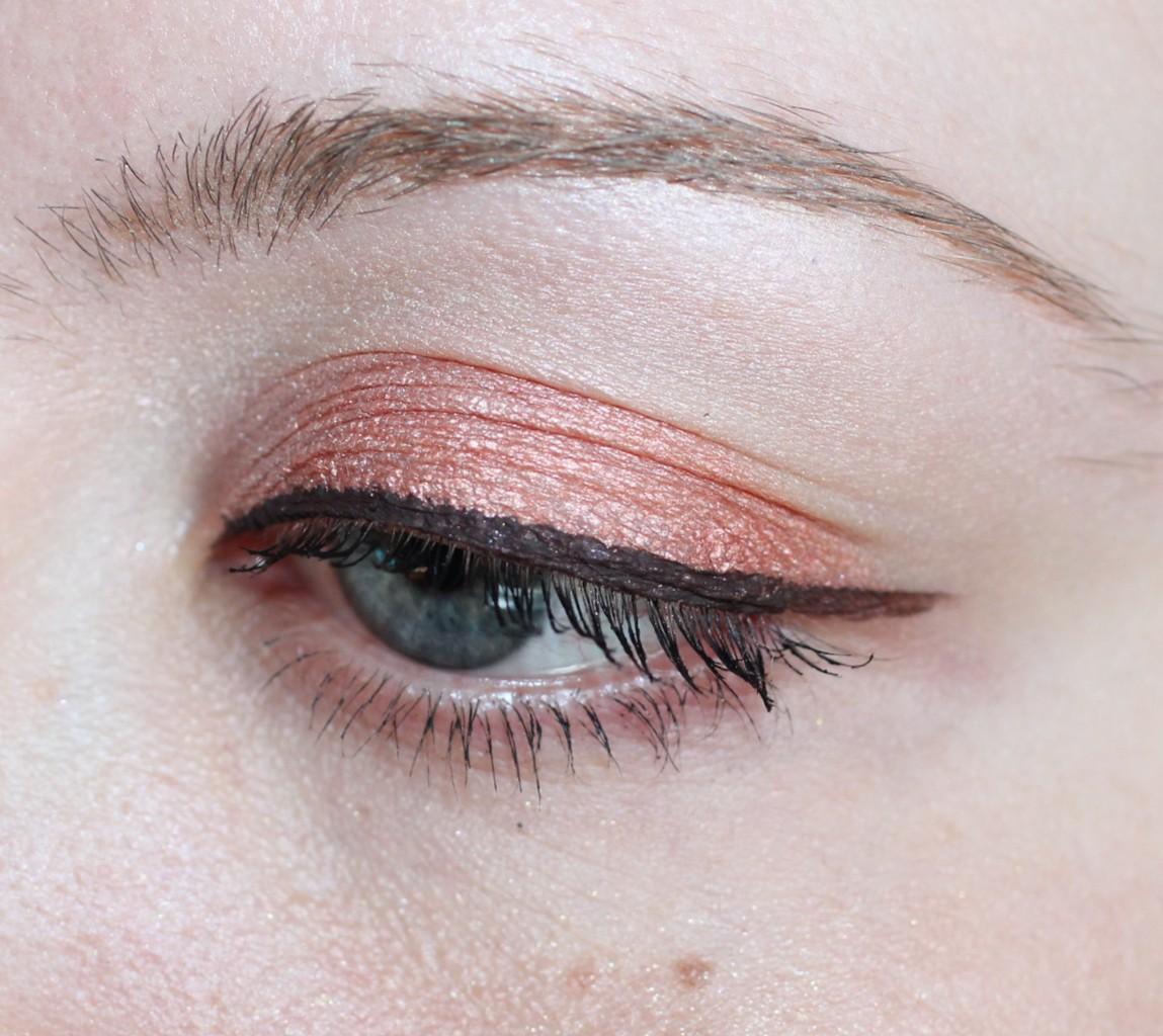 Elite Models eye liner in Matt Brown,Pixi eyeshadow in Peach Pave.